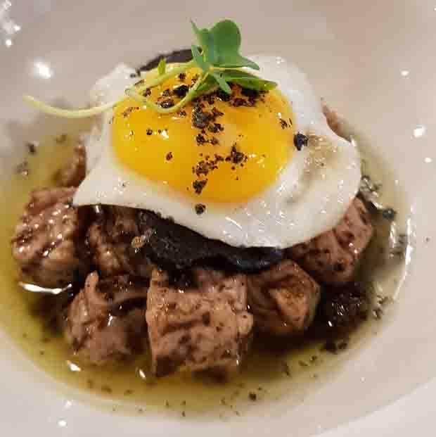 TAQUITO DE TARANTELO DE ATÚN ROJO 17€ de almadraba, huevos de codorniz y trufa